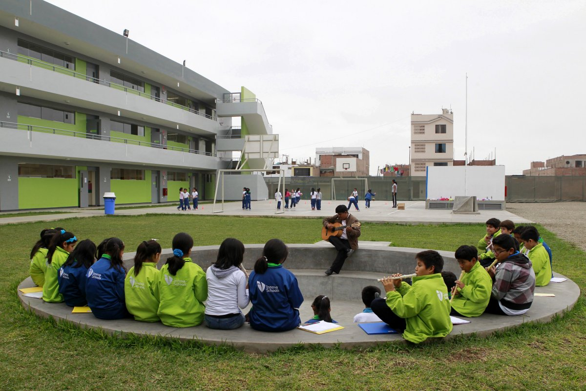 innova-schools-peru-the-school-built-by-world-class-designers